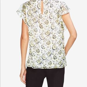 Vince Camuto Printed Flutter-Sleeve Top SMALL